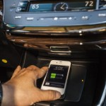 2013 Toyota Avalon charges Qi-enabled phones without wires