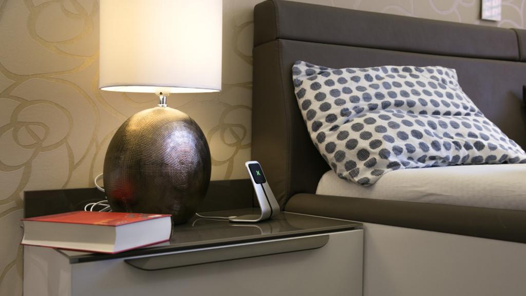 XVIDA stand qi wireless. bed